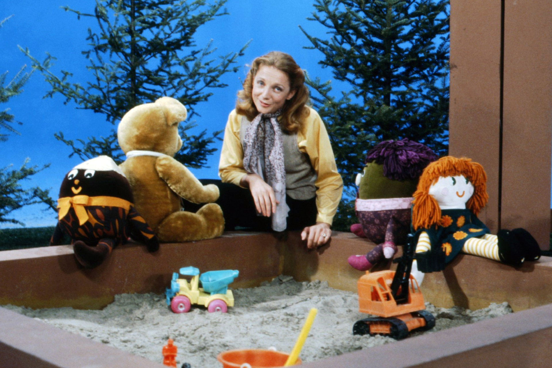 Time Warp! Can you name this iconic, Canadian children's show?